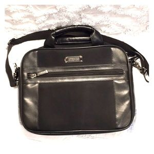 👔 Kenneth Cole Reaction R-TECH Never Used Laptop
